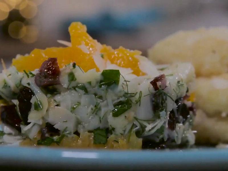 Τηγανητός μπακαλιάρος με σαλάτα σπαράγγι